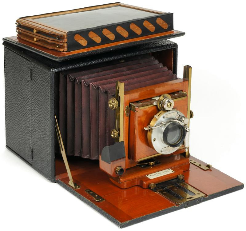 The history of the Kodak and Camera on emaze